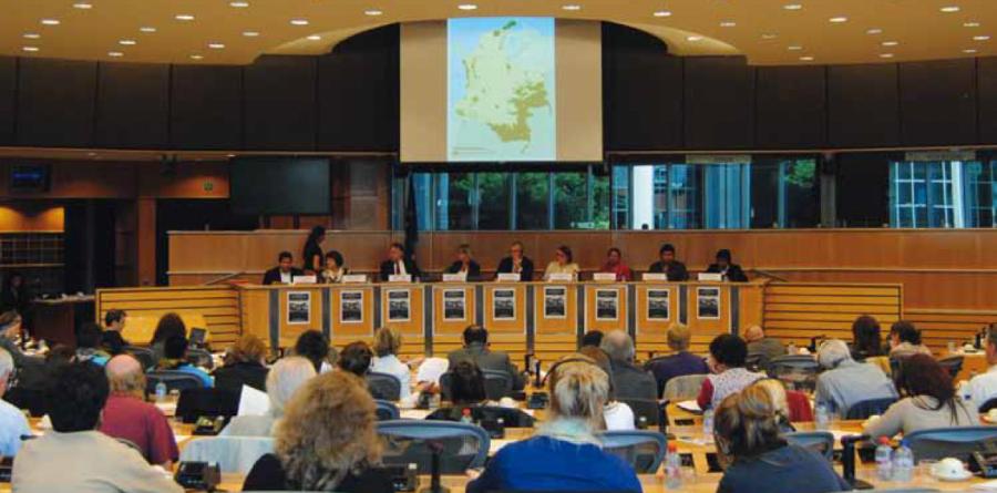 """Acuerdos comerciales de la UE con Centroamérica, Colombia y Perú: Obstáculos para el desarrollo sostenible"""""""