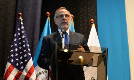 Iván Velásquez se reúne con Sociedad Civil en Bruselas